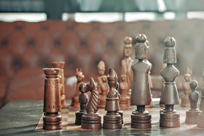 carvings-kings-queens